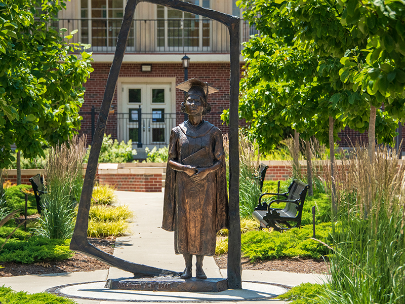 Statue of Nancy Randolph Davis
